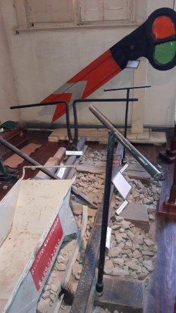 Museo Ferroviario de Campana Victor Luis Capusso: Elementos de construcción