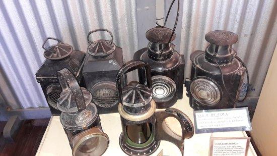 Museo Ferroviario de Campana Victor Luis Capusso: Faroles