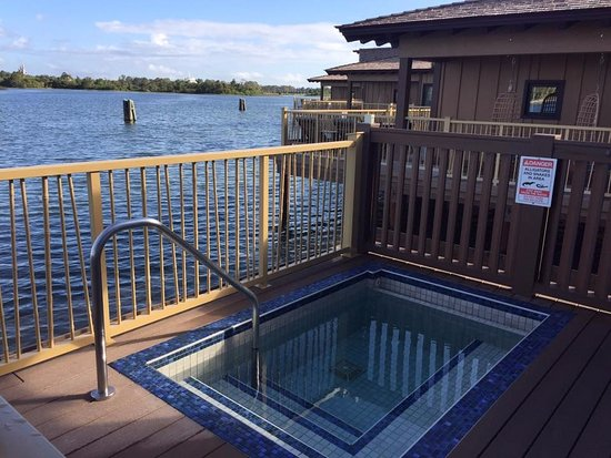 Disney's Polynesian Village Resort: our private pool