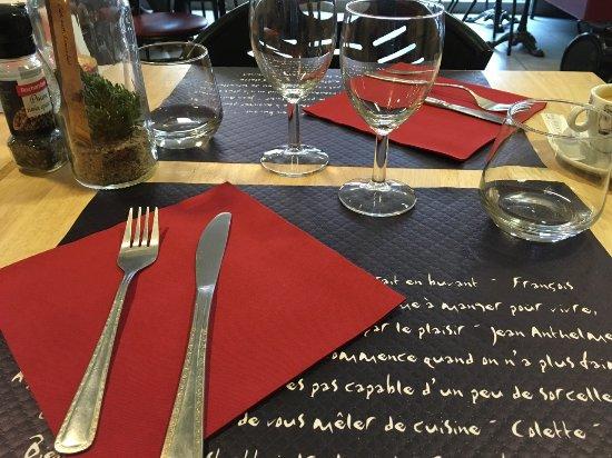 Les sets de table - Picture of Bistrot D\'Anae, Remoulins - TripAdvisor