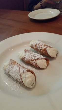 Whitehouse Station, NJ: Cannolis for all of us!