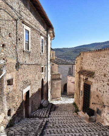 Navelli, Italia: IMG_20171107_133017_044_large.jpg