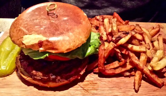 Chelsea Pub: Burger w/fries, obviously :)