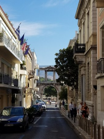 AVA Hotel Athens: The hotel is on the left side of pic.. great location - in walking distance to everything