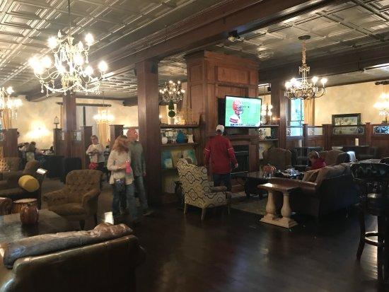 The Martha Washington Inn and Spa: Dining Room