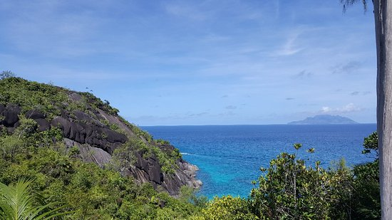 Cocotier Tours: Trails on around mahe