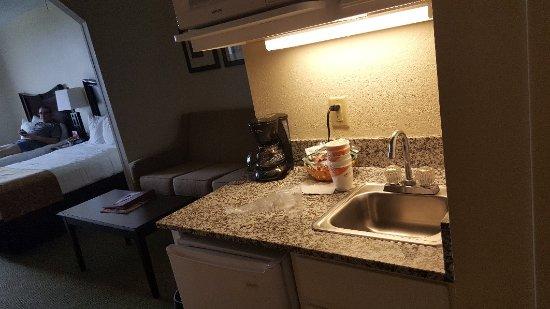 Comfort Suites Maingate East: 20171022_173115_large.jpg