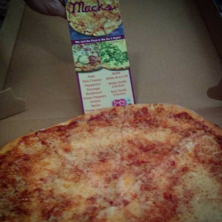 Mack's Pizza: Pie with Extra Cheese!