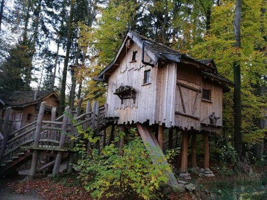 baumhaus bild von erlebnispark tripsdrill natur resort cleebronn tripadvisor. Black Bedroom Furniture Sets. Home Design Ideas