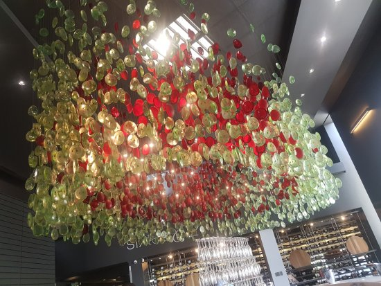 Constantia, South Africa: Glass artwork above the tasting area