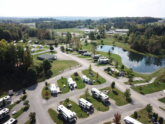 Waterford, Pensilvania: Aerial view of campground