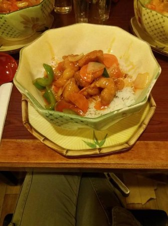 Noodle Bar: Sweet and Sour chicken