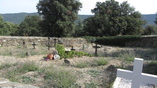 Prades, Francia: Friedhof des Klosters und Dorfes Serrabone