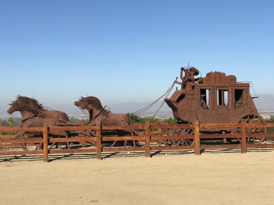 Norco, CA: Stagecoach Sculpture