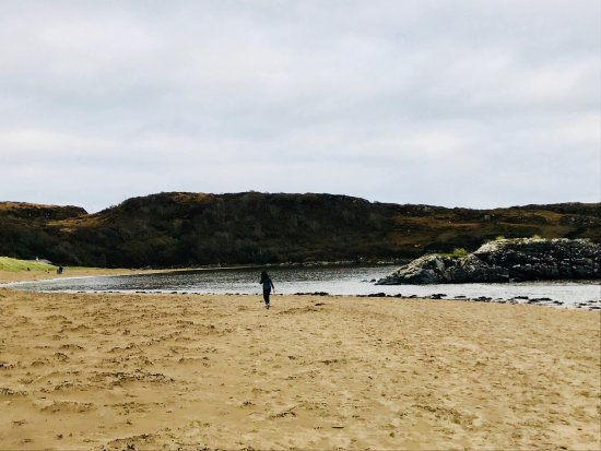 Killybegs, Irlanda: Fintra beach is a hidden gem! The gentle waves and the golden fine sand is just perfect. Also a