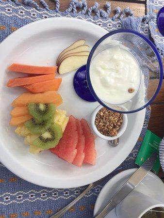 Casa Encantada: Yogurt + Granola Breakfast