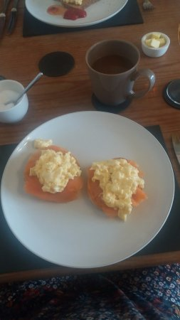 Richmond House: Breakfast bagels with smoked salmon and scrambled eggs
