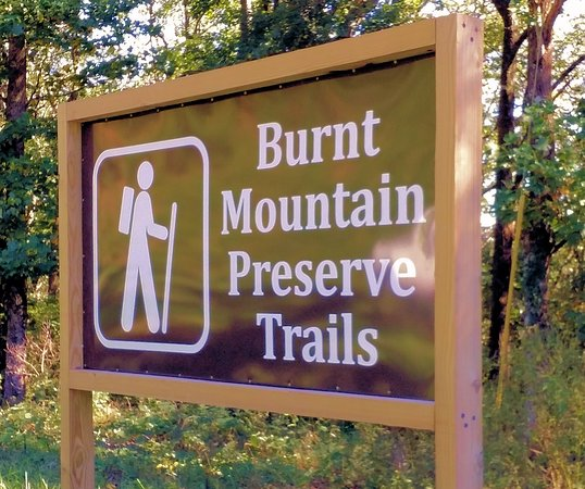 Jasper, Georgien: Burnt Mountain Preserve Trails sign.