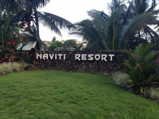 Naviti Resort: Resort entrance