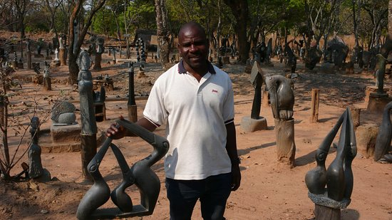Zimbabwe: Robert Murengwa, sculptor and Tengenenge manager