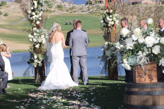 Bullhead City, AZ: Gorgeous views at our wedding location.