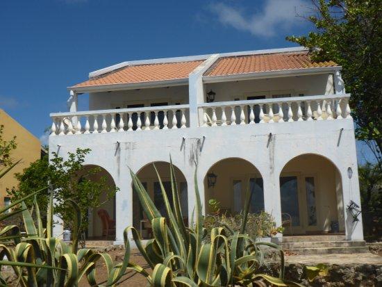 Kura Hulanda Lodge & Beach Club : Ocean View Room from outside