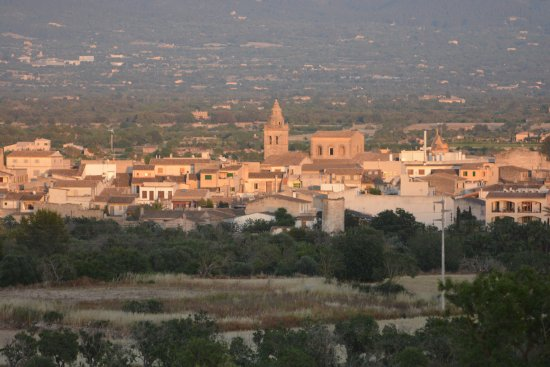 The town of Porreres as seen from Son Jorbo.