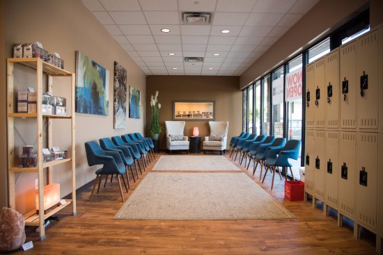 Lakeway, TX: Waiting room