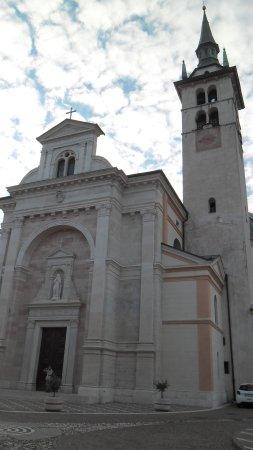 Villa Lagarina, Italië: La facciata
