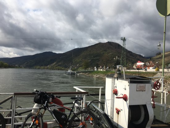 Spitz, Austria: cable ferry