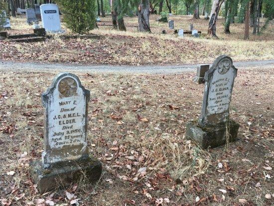 Jacksonville, Oregón: Grave Stones