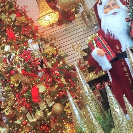 Christmas Palace.Www Thechristmaspalace Com Picture Of The Christmas Palace