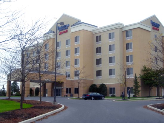 Fairfield Inn & Suites Carlisle : Hotel Entrance