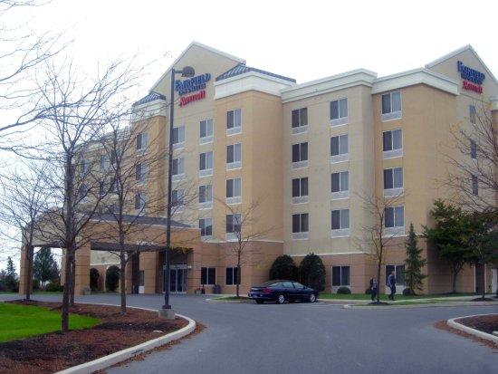 Fairfield Inn & Suites Carlisle: Hotel Entrance