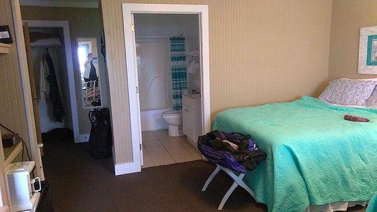 Lois Jane's Riverview Inn: Room #2