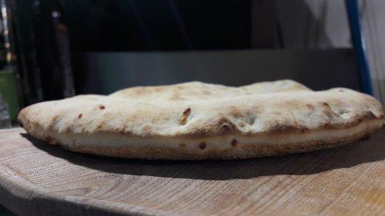 Althen-des-Paluds, Frankrig: Certaines de nos pizzas