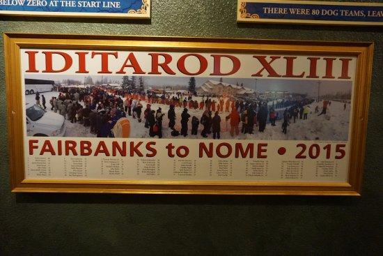 Pike's Waterfront Lodge: placa da corrida Iditarod