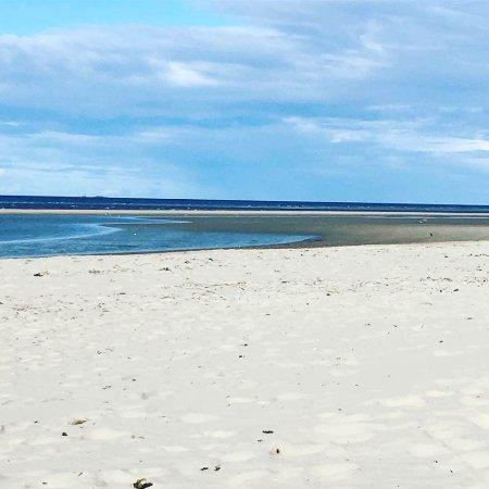 Nairn Beach: White sands in daytime