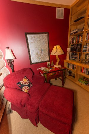 Wilson, Вайоминг: cozy little library nook