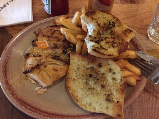 Nando's: Chicken and garlic bread