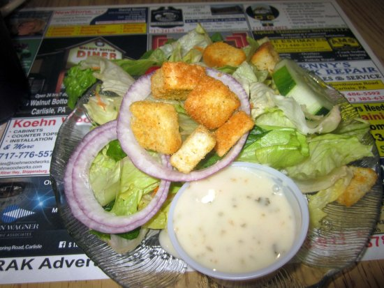 Walnut Bottom Diner: Salad with dressing on the side