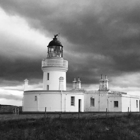 Fortrose, UK: Moody Lighthouse