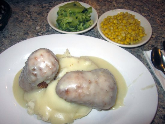 Middlesex Diner: Chicken Croquettes on a bed of Mashed Potato with Corn & Broccoli