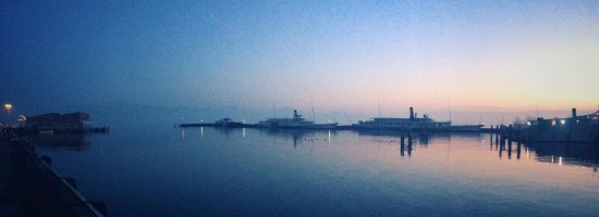 Le Port d'Ouchy : the port after sunset