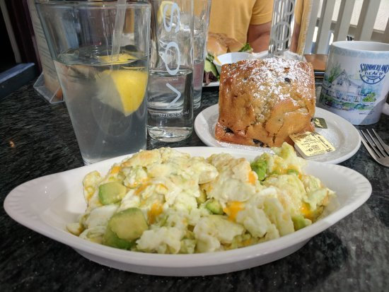 Summerland Beach Cafe: Egg scramble with avocado and cheese. Blueberry muffin.