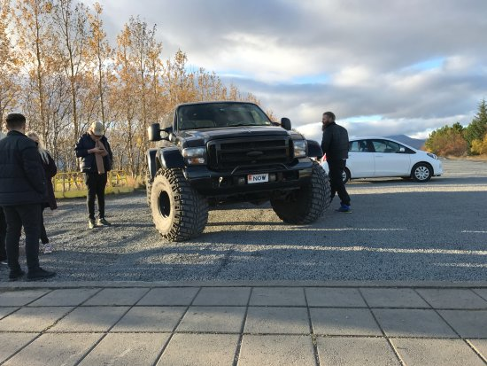 Discover Iceland: Super Jeep