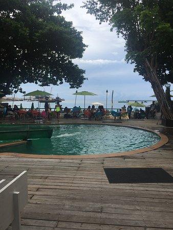Jimmy Buffett's Margaritaville Ocho Rios: Nice Pool at restaurant