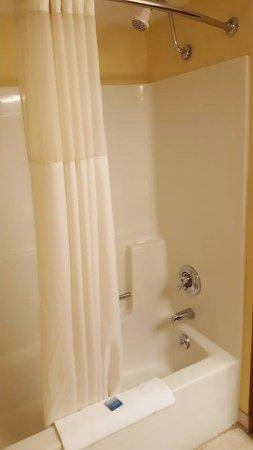 Best Western of Lake George : Shower