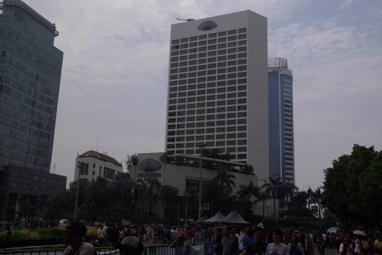 Mandarin Oriental Jakarta: View of hotel from round about