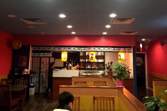 Newmarket, Canadá: Otaru Sushi Interior
